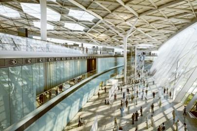 Bakü Haydar Aliyev Uluslararası Havalimanı Gergi Tavan ve Led Aydınlatma Projesi