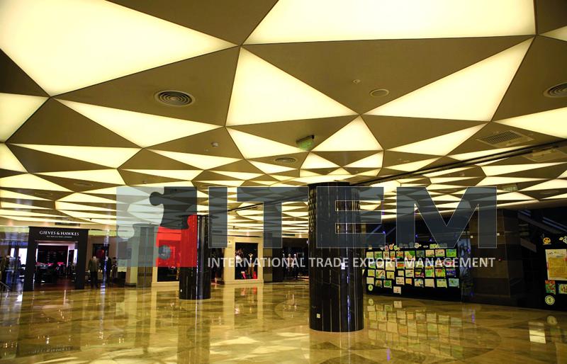 sürekli üçgen form tasarım gergi tavan uygulaması avm