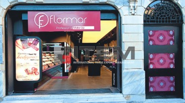 Flormar mağazası gergi tavan aydınlatması