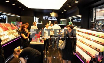 Flormar mağazası barisol gergi tavan aydınlatması