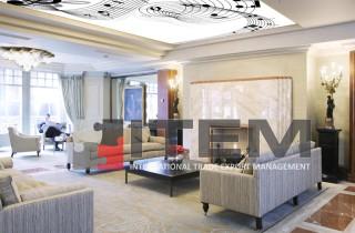 Oturma odasında müzikal form gergi tavan uygulaması