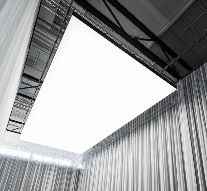 gergi tavan ile fotoğraf stüdyosunda ışıklandırma